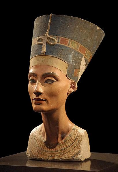 The bust of Nefertiti. Photo from Philip Pikart.