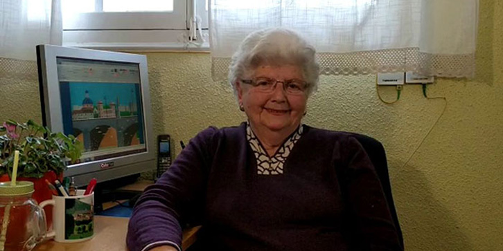 How This Amazing Grandmother Uses Microsoft Paint