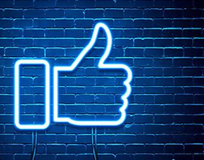 facebook is still number 1